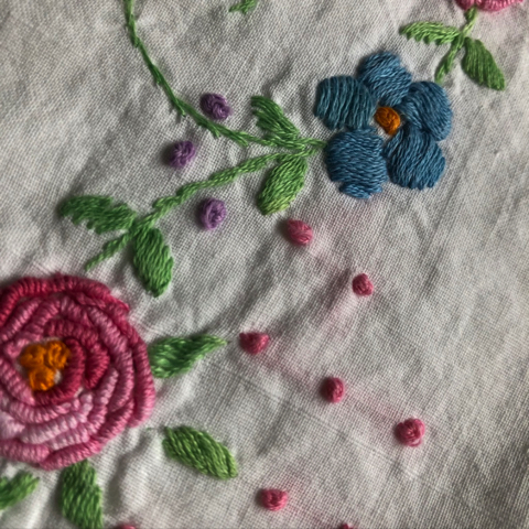 Pillowcase with embroidered flowers